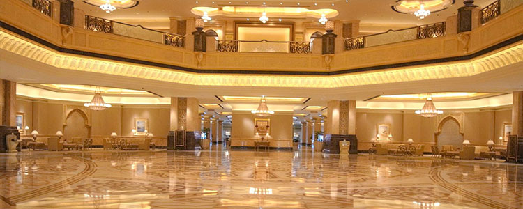inner view of emirates palace abu dhabi